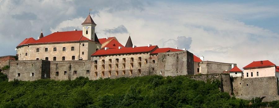 Відпочинок в Закарпатті - замок Паланок